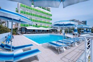 hotel-bristol-jesolo-piscina