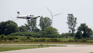 Small plane lands at Chatham-Kent airport