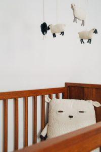 Babies Schlafplatz kann den Schlafrückgang eindämmen