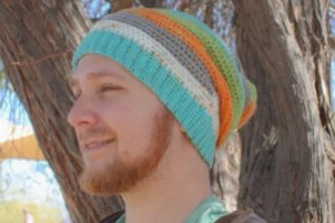 Free crochet pattern for a quick and easy slouch beanie with lots of texture.