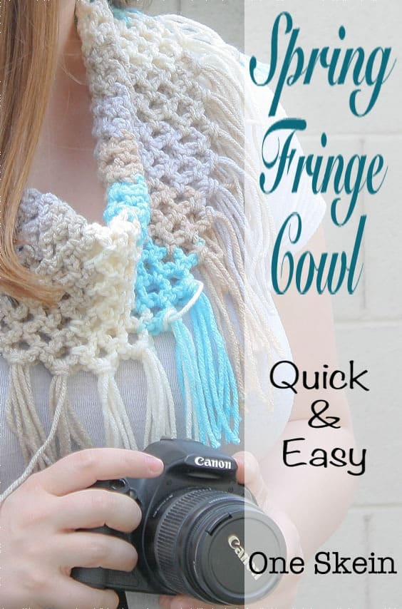 The Spring Stripe Cowl is a quick and easy free crochet pattern. The mesh stitch keeps this cowl light and perfect for spring and summer. This is a great pattern for beginners.