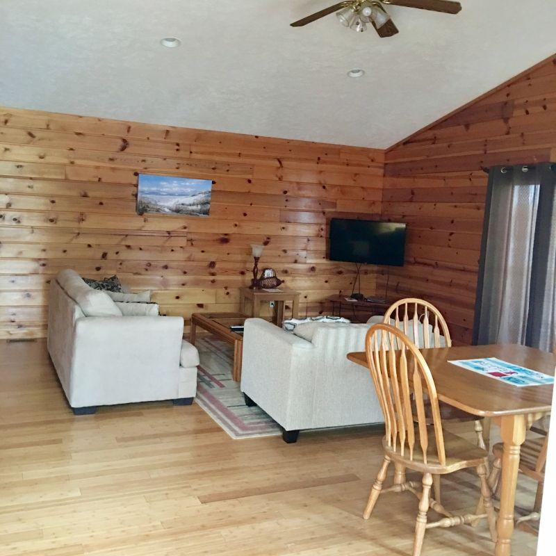 Rental House Cabin 8 Traverse 13 Windjammer Resort