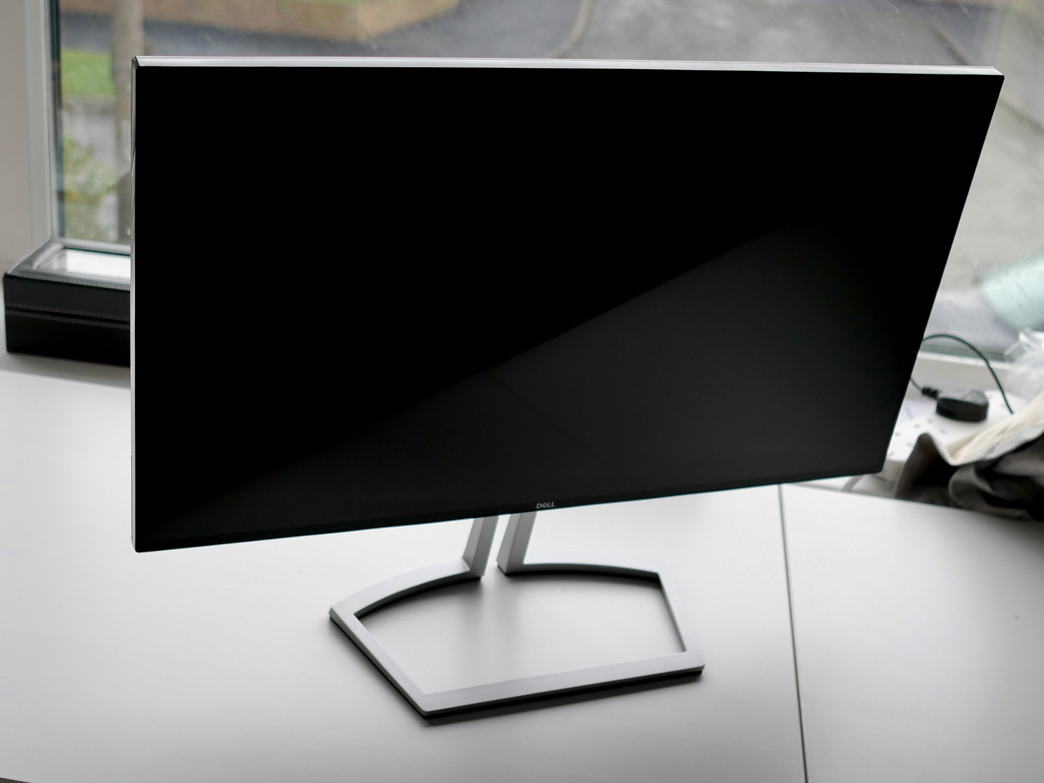 Dell S2418H Monitor Review A Great Display At A Reasonable Price But No Real HDR Windows
