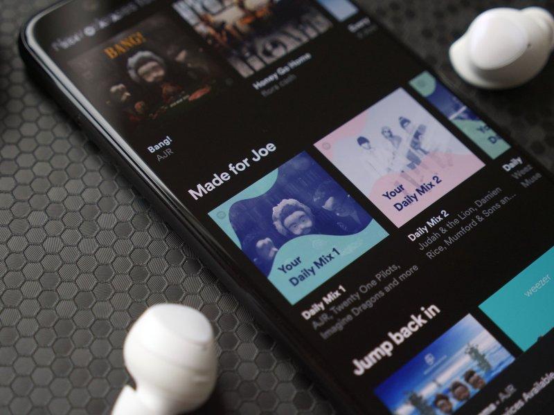 Spotify Pixel 4 Hero