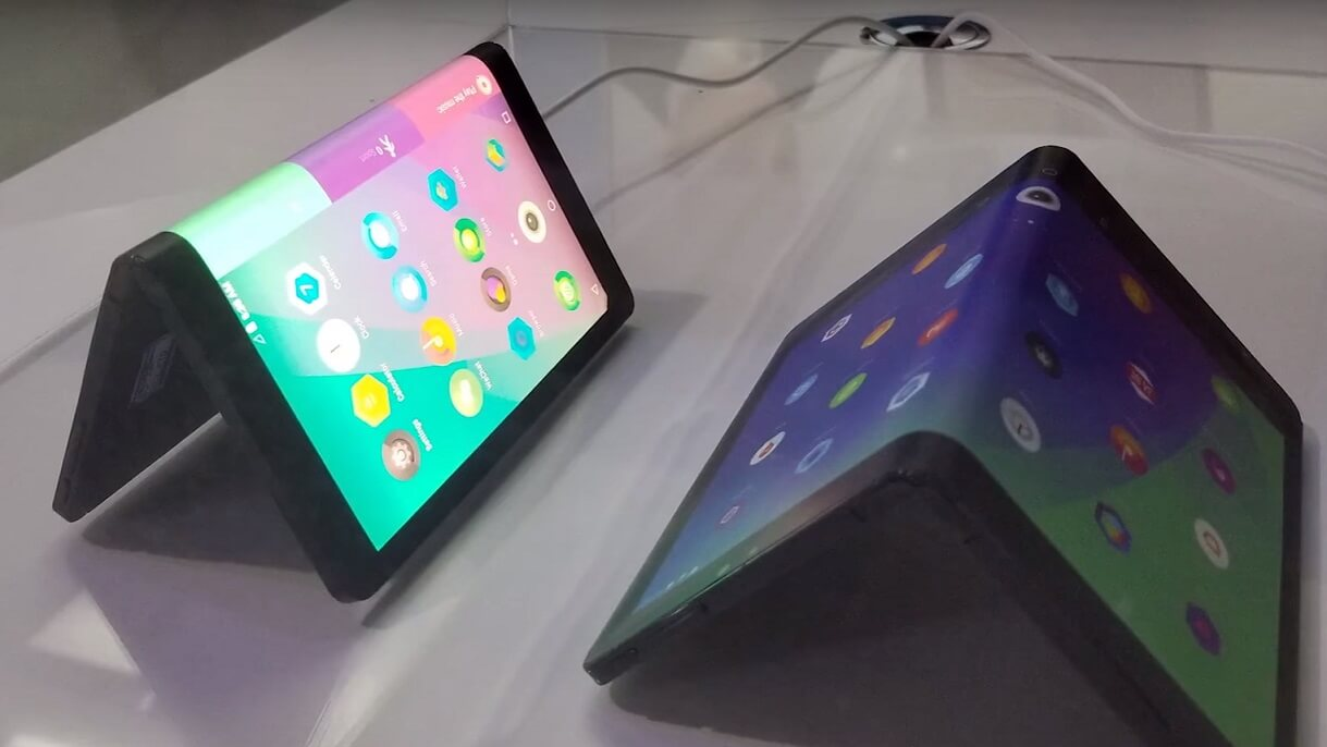 Lenovo's folding tablet that turns into a phone