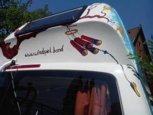 Bus-Gesichterbaum (9)