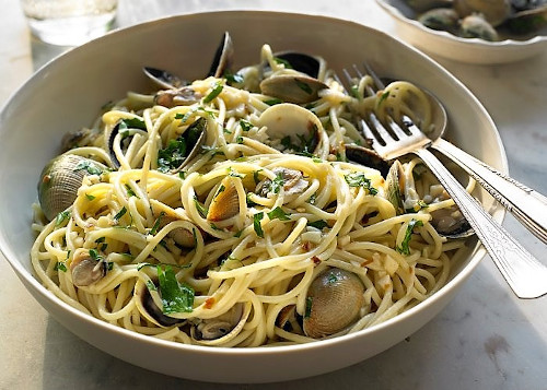 spaghetti-alle-vongole-in-bianco-winekissyou