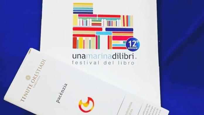 """""""UNA MARINA DI LIBRI"""", TENUTE ORESTIADI VINO UFFICIALE DELLA MANIFESTAZIONE"""