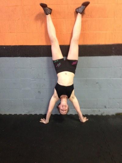 fleo workout shorts handstand