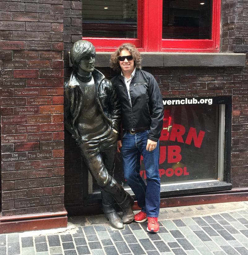 John Lennon Beatles Statue