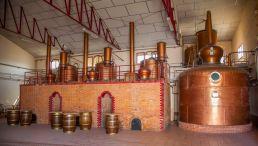 Sala de destilación de Altosa