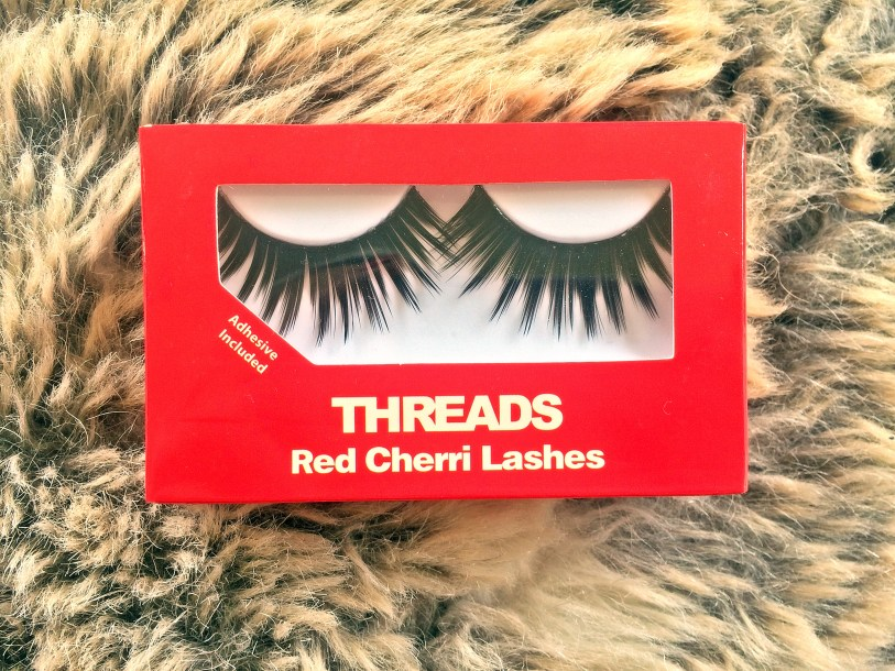 Threads False Eyelashes Red Cherri closeup www.wingitwithjade.com