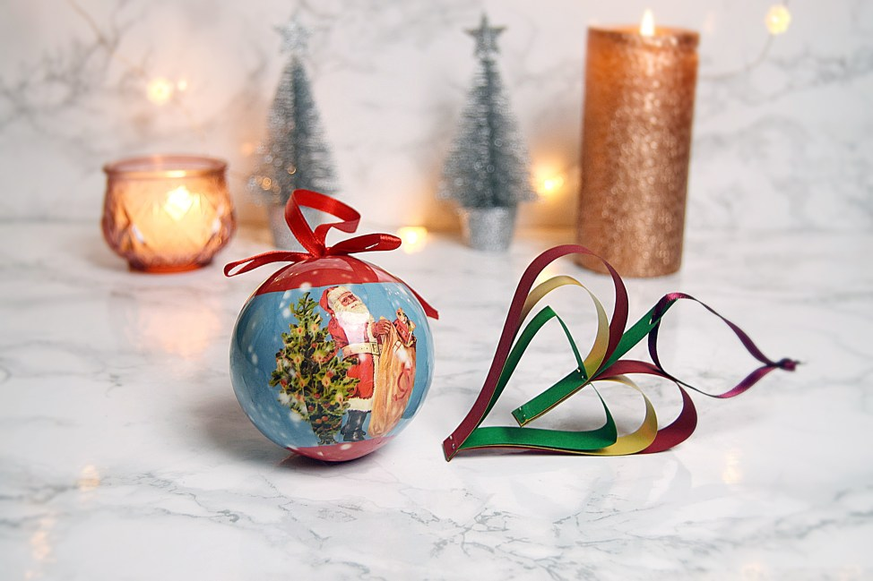 Folly Green Bauble - The Ely christmas fair 2016 - www.wingitwithjade
