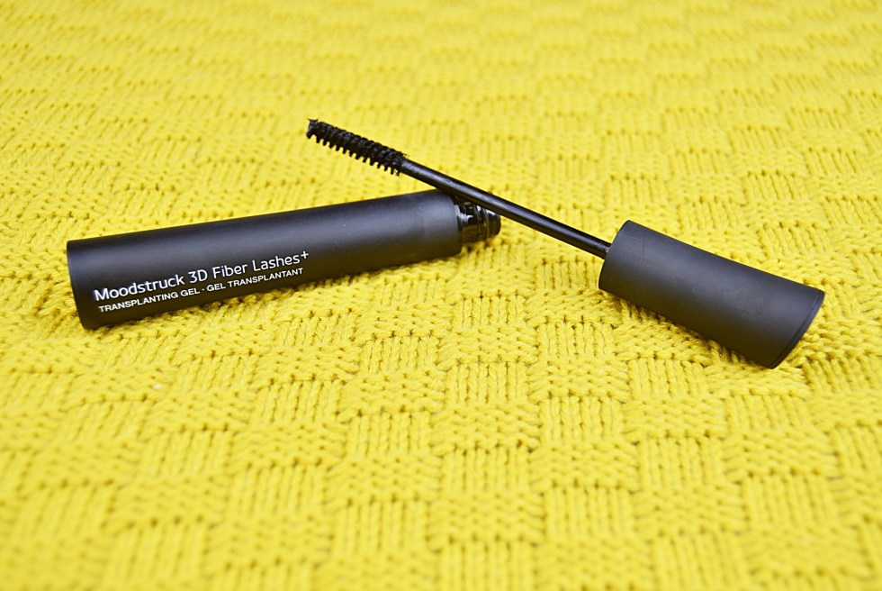 Younique Moodstruck 3D Fiber Lashes+ Mascara www.wingitwithjade.com