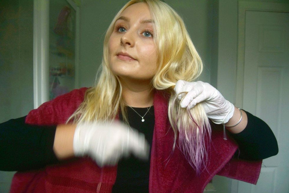 How to Use Crazy Color pastel spray www.wingitwithjade.com
