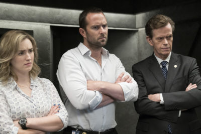 "BLINDSPOT -- ""In Night So Ransomed Rogue"" Episode 201 -- Pictured: (l-r) Ashley Johnson as Patterson, Sullivan Stapleton as Kurt Weller, Dylan Baker as Director Pellington -- (Photo by: Virginia Sherwood/NBC)"