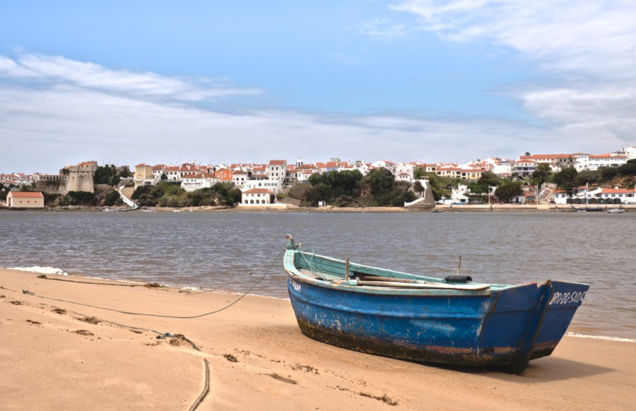 vila nova de milfontes river mira boat