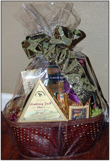 Napa Valley Gourmet Red Wine Basket by California Delicious