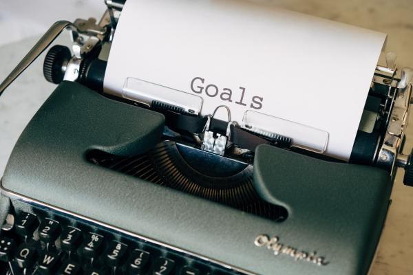 Goals written on typewriter_SMART Method