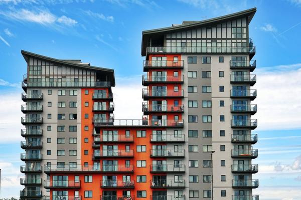Invest in commercial real estate _ apartment building