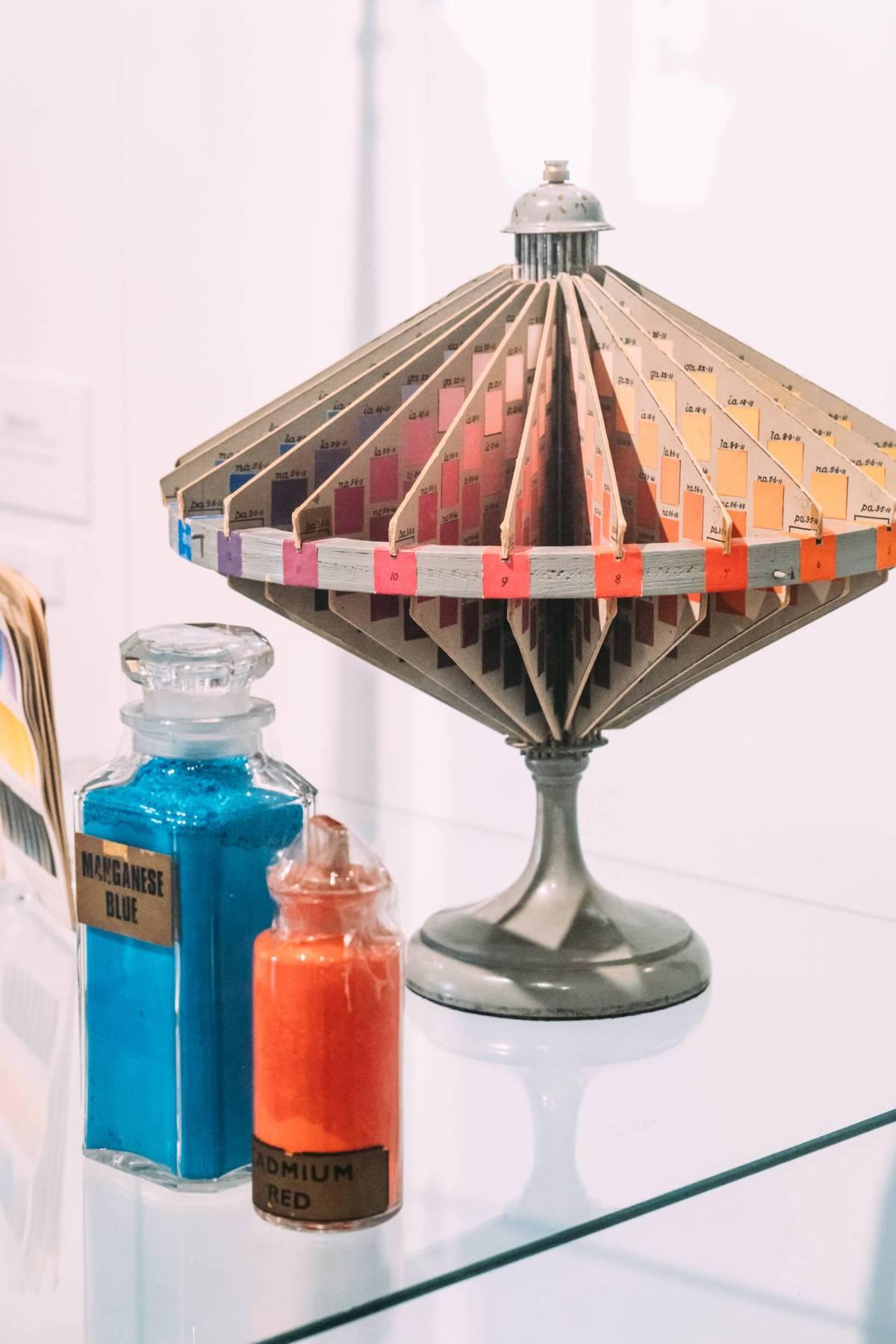 Ostwald colour system, Bauhaus and Winsor Newton | Winsor & Newton