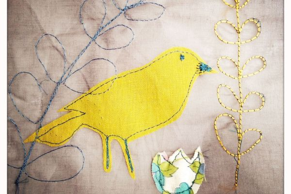 Appliqué image of Garden Bird