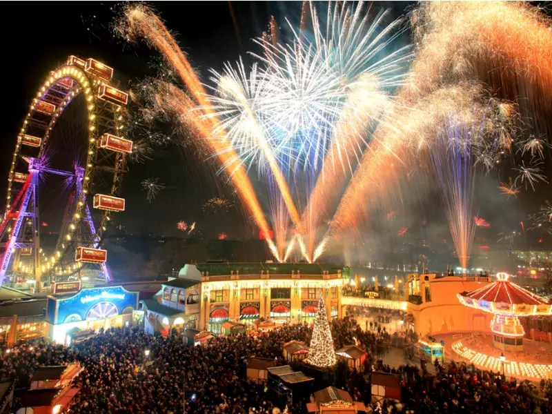 New Year s Eve at Prater   Prater Vienna     set the party mood and at 10 30 p m   Sam Brisbe   Band will take to  the stage  welcoming the audience to sing along and start dancing  The New  Year