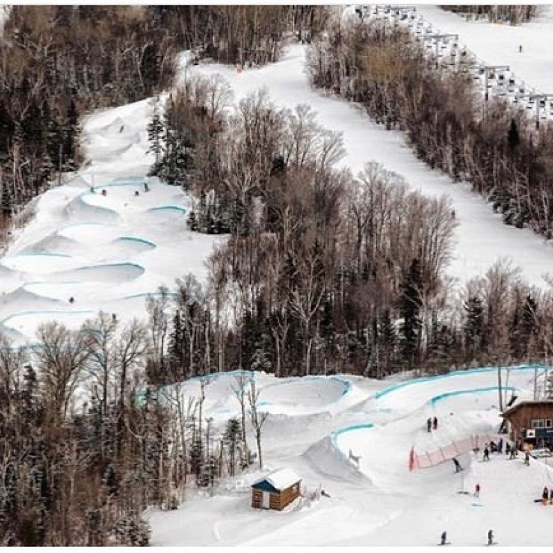 Time to sign up for our home town #bankedslalom ! Get over to @sugarloafmountain and join us for one of the best courses in the US. @sethwescott will be looking to dominate after winning the #bakerbankedslalom last month. We have two berths for #lbs34 next year for the winners. Come on up!📸 @jwalter1337