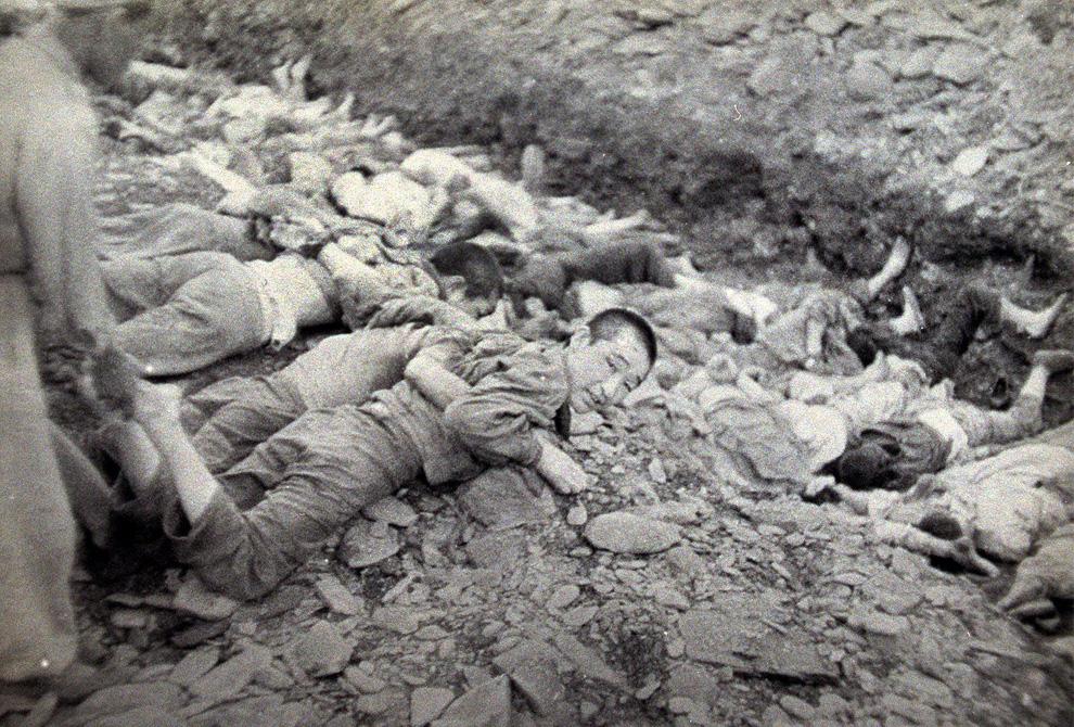 Korea-MassExecutionofcommies1
