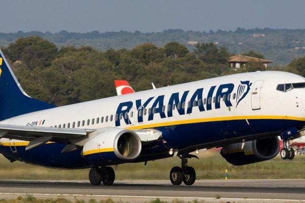 Fare l'assistente di volo per Ryanair, tra miti e leggende