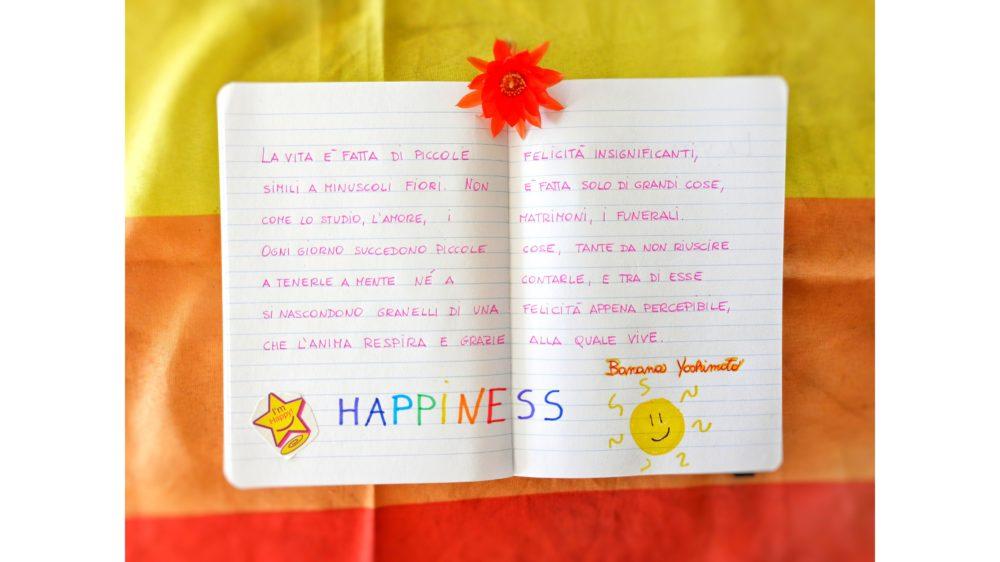 Pillole di felicità: pasticciare un foglio bianco con scritte e disegni