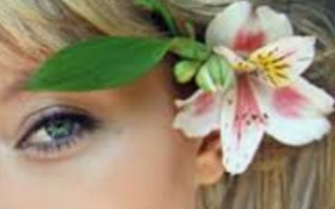"""L'orchidea tra i capelli"""