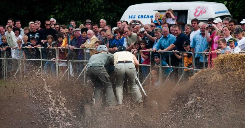 Duell Im Schlammloch in Dexheim beim Hako-Rennen