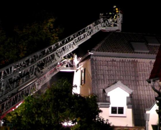 Feuerwehrleute bei den Löscharbeiten