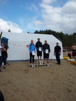 ... und gewinnt in Beach Flags die Silbermedaille