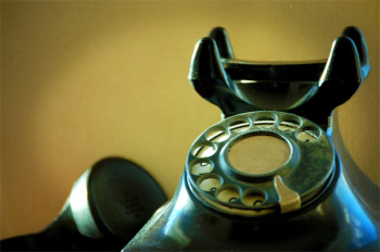 Vorsicht: Telefonbetrüger geben sich als Polizisten oder E-Plus-Mitarbeiter aus