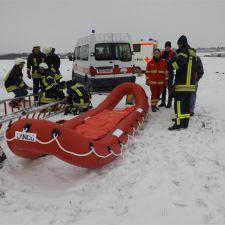 Gemeinschaftsübung Eisrettung der DLRG Nieder-Olm/Wörrstadt, DRK und Feuerwehr 9