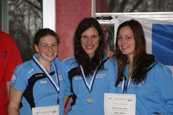 Von links nach rechts, die drei erstplatzierten in der Altersklasse offen weiblich: Anja Parotat, Vanessa Debo, Nadine Weber (alle Nieder-Olm / Wörrstadt)