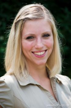 Rheinhessische Weinkönigin Helgard Frey stellt Umfrage zu Great Wine Capitals für Ihre Bachelor-Arbeit