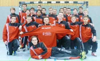 Neue Trainingsanzüge für die HSC-Jugend