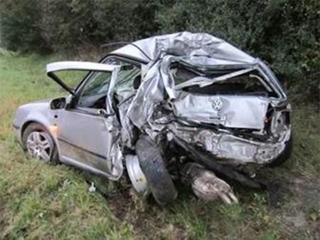 Glück im Unglück: Frau überlebt fast unverletzt. (Bild: Polizei Mainz)