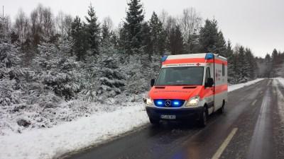 Wintereinbruch sorgt für Arbeit bei Rettungsdiensten.