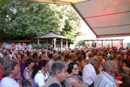 """Schnell sprach sich herum, was Wolfgang Weyell auf dem elterlichen Hof bietet. Seit dem ist fast immer """"full house"""". (Bild: KADH)"""