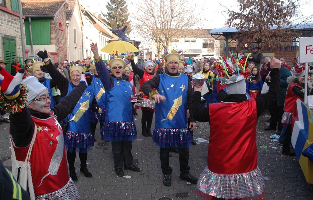 Rückblick des Carneval-Verein Guntersblum: Strahlender Sonnenschein beim Umzug