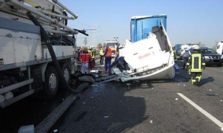 Schwerer LKW-Unfall bei Mainz-Hechtsheim