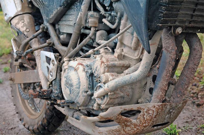 Rotzbesoffen vom Motorrad gekippt und eingeschlafen