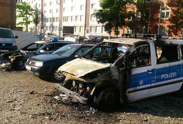 Die Fahrzeuge wurden völlig zerstört. (Foto: Polizei Mainz)