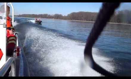 DLRG Oppenheim schult Einsatzkräfte auf dem neuen Boot