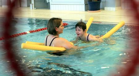 Schwimmkurs bei der DLRG Oppenheim. (Foto: Michael Bahr)