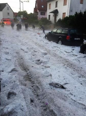 In Wiesbaden Kloppenheim sah es nach dem Unwetter so aus. (Bild: Feuerwehr Wiesbaden)